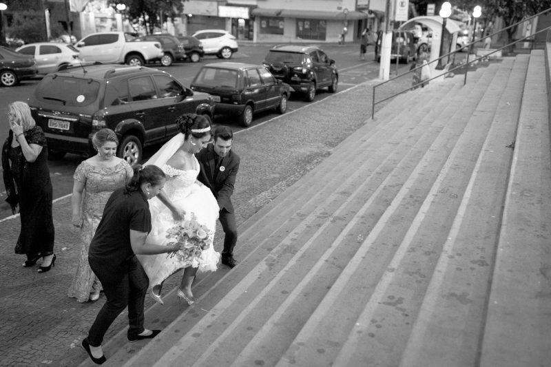 Fotografia feita pela fotógrafa Rafaella Isadora no casamento de Ana e Erik