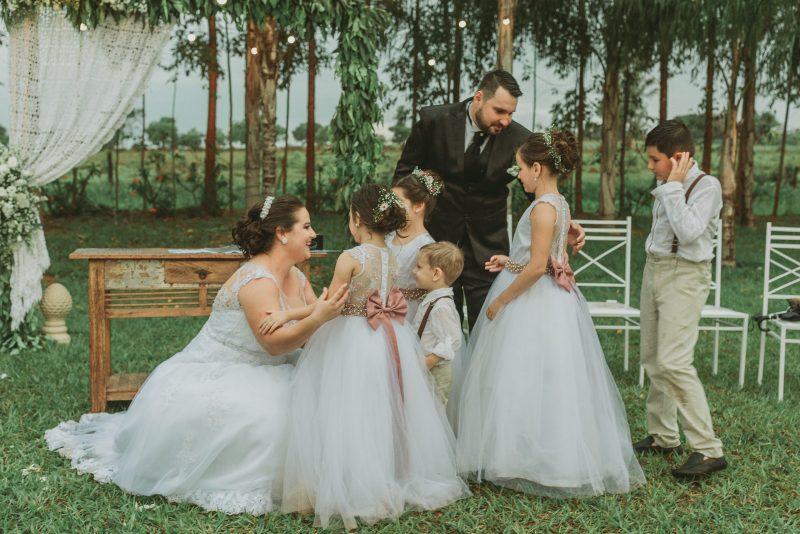 Fotografia feita pela fotógrafa Rafaella Isadora no casamento de Fabiana e Lucas