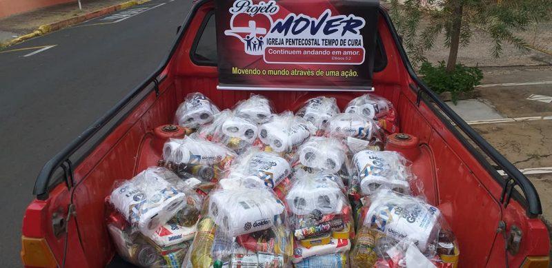 Entrega de doações para o Projeto MOVER